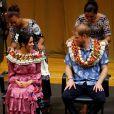 Meghan Markle e príncipe Harry visitaram a Universidade do Pacífico Sul