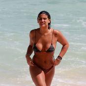 Giulia Costa curte praia com DJ Philippe Correia em clima de romance. Fotos!
