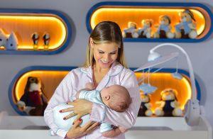 Fofura! Andressa Suita mostra foto com filho Samuel no colo: 'Babando na cria'