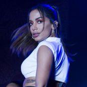 Anitta usa biquíni de crochê em viagem e ganha elogios dos fãs: 'Que corpo'