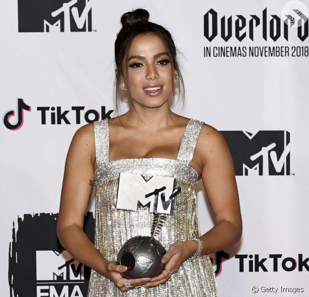 Anitta vence categoria de Melhor Artista Brasileira no MTV EMA 2018, em 4 de novembro de 2018