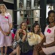 Verônica ( Mylla Christie) , Arlete ( Letícia Tomazella) , Branca ( Lílian Blanc)  e Gleyce ( Maria Gal)  dão entrevista sobre o comitê do Laço Pink, na novela 'As Aventuras de Poliana'