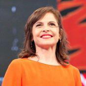Drica Moraes, de 'Império', se emociona com surpresa da família no 'Domingão'