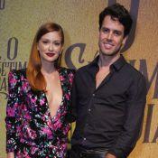 Marido de Marina Ruy Barbosa a presenteia com buquê por novela: 'Estou longe'