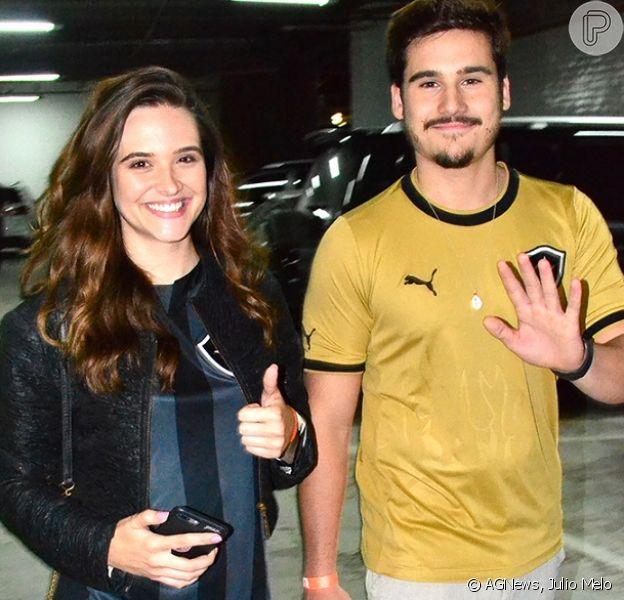 Juliana Paiva e Nicolas Prattes conferiram o jogo entre Botafogo e Paraná no estádio Nilton Santos, na zona norte do Rio, nesta segunda-feira, 26 de novembro de 2018