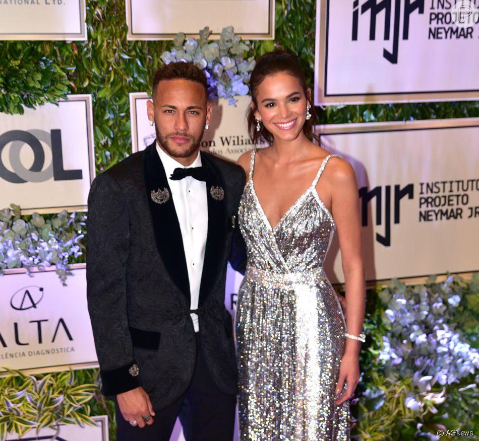 Bruna Marquezine nega ter se reaproximado do jogador Neymar