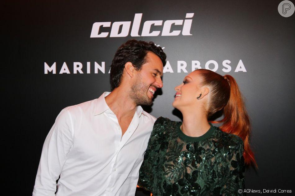 Marina Ruy Barbosa participa de evento da marca Colcci com o marido, Xandinho Negrão