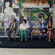 Xuxa prestigou nesta quartafeira, 10 de setembro de 2014, o encerramento da primeira turma do Projeto Entrelaços, promovido pela instituição que leva o seu nome no Rio de Janeiro. Durante uma apresentação das crianças do projeto, a apresentadora se emocionou e foi às lágrimas. Após o show musical, Xuxa distribuiu presentes e docinhos e posou para fotos com pais e filhos