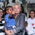 Xuxa se encantou com as crianças do projeto