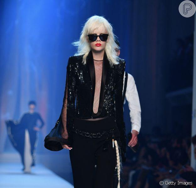 Pretinho nada básico de Jean Paul Gaultier Haute Couture Fall/Winter 2018-2019 na Paris Fashion Week