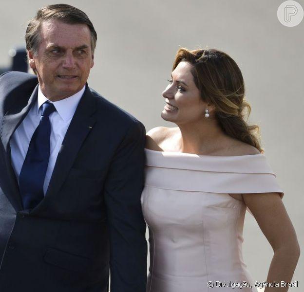 Vestido rosé de Michelle Bolsonaro na posse será leiloado. Veja mais sobre look em matéria nesta quarta-feira, dia 02 de janeiro de 2019