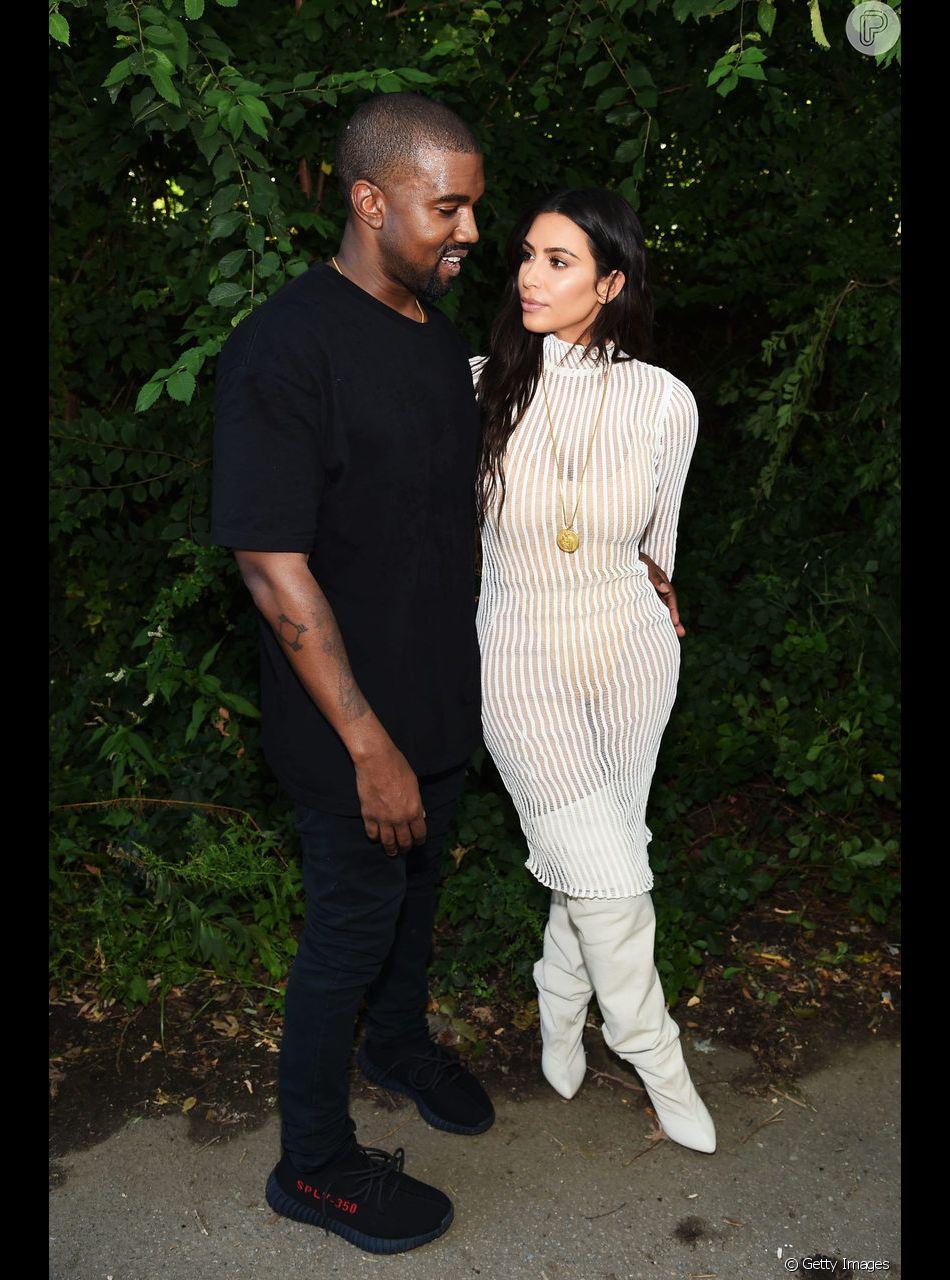 8f565fb9ac0c75 Com barriga de aluguel, Kim Kardashian e Kanye West aguardam 4º filho