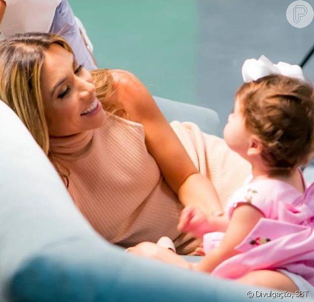 Patricia Abravanel, grávida pela terceira vez, festejou o primeiro aniversário da filha, Jane, nesta quinta-feira, 10 de janeiro de 2019: 'Carinhosa, independente, encantadora'