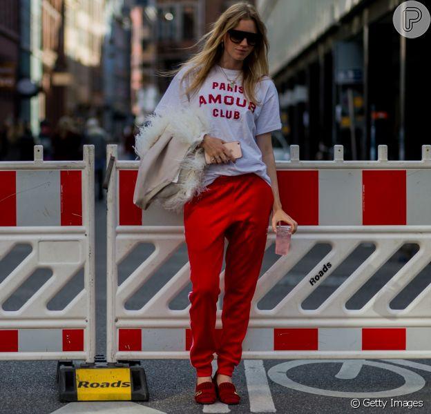 Mood sporty: calça esportiva + t-shirt