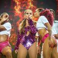 Anitta apresentou pela primeira vez a sua nova música, 'Terremoto', em parceria com Kevinho, no  Planeta Atlântida