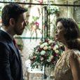 Júlia (Vitória Strada) vai ser surpreendida por Gustavo Bruno (João Vicente de Castro) ao descobrir que está de casamento marcado com o marquês nos próximos capítulos da novela 'Espelho da Vida'