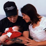 Felipe Araújo exibe foto com o filho, Miguel, e encanta web: 'Papai todo bobo'