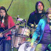 'Caldeirão do Huck': Tiago Abravanel canta ao lado de artista de rua no palco
