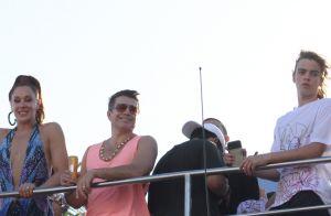 O clima esquentou! Claudia Raia beija o marido em trio de Ivete Sangalo