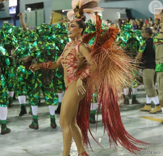 Rainha de bateria da Grande Rio, Juliana Paes arrasou na Avenida neste domingo, 3 de março de 2019