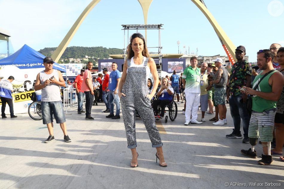 Sabrina Sato e Viviane Araújo apostam em looks com brilho na apuração do Rio nesta quarta-feira, dia 06 de março de 2019
