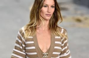Gisele Bündchen estrela desfile da Chanel na Semana de Moda de Paris