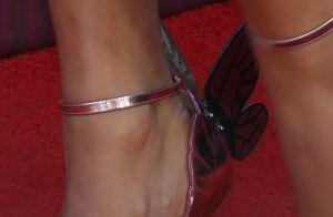 Trend do metalizado: o look de Taylor Swift com detalhes que fazem a diferença