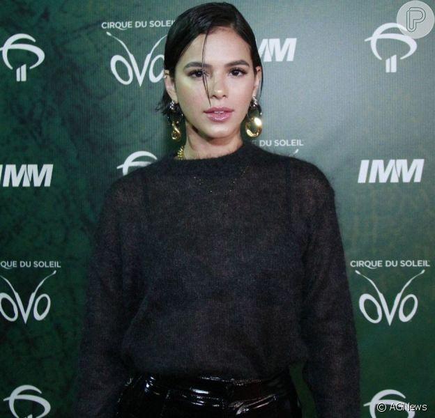 Bruna Marquezine nega rixa com Anitta após a cantora declarar que as duas não são amigas