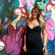 Ticiane Pinheiro elegeu um vestido 'preto nada básico' para curtir o day off em clique registrado no Instagram, neste sábado, dia 24 de março