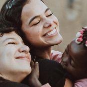 Bruna Marquezine ouve funk gospel com amigos na Angola: 'Passinho de Israel'