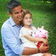 Em agosto deste ano, a princesa Olívia realizou seu primeiro trabalho. Ao lado de Otaviano Costa, seu pai, posou cheia de estilo em fotos para Campanha de Dia do Pais de rede de magazines