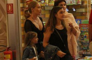 Momento mãe e filha! Angélica leva Eva às compras em shopping do Rio. Fotos!