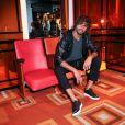 O modelo Marlon Teixeira também apostou num dos modelos de tênis exclusivos da marca, o HVN Block, assim como Fiorella Mattheis