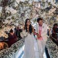 O casal Jorge Vercillo e Martha Suarez são apaixonados por natureza e, por isso, a decoração do casamento fez referência ao tema