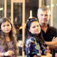 Bruna Marquezine surpreendeu o pai, Telmo, com festa surpresa em sua mansão nesta segunda-feira, 15 de abril de 2019