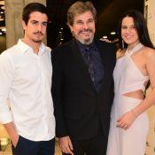 Claudia Raia nota semelhança da filha em foto de Edson Celulari: 'Cara do pai'