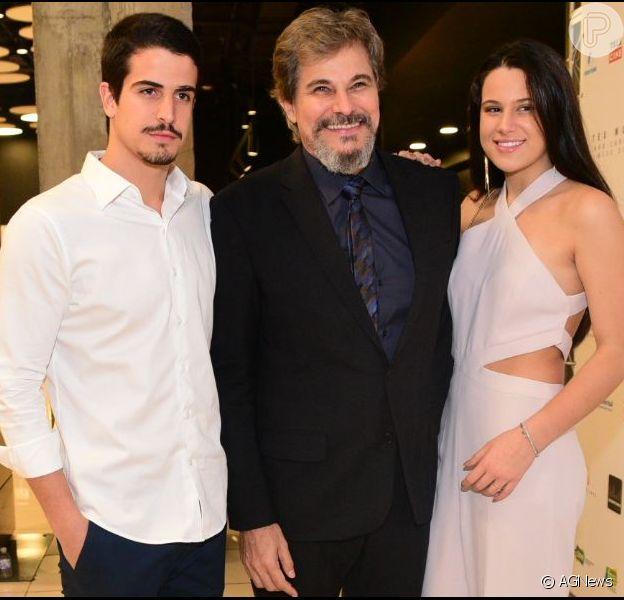 Claudia Raia destacou semelhança da filha, Sophia, em foto com Edson Celulari no Instagram