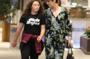 Momento mãe e filha! Ana Furtado curte passeio com Isabella em shopping do Rio
