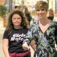 Ana Furtado foi fotografada com a filha, Isabella, em um shopping do Rio de Janeiro neste sábado, 27 de abril de 2019
