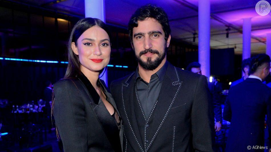Thaila Ayala e Renato Góes acertaram detalhes do casamento, marcado para 5 de outubro de 2019, segundo a revista 'Vogue'