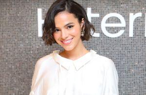 Trend de outono! Bruna Marquezine aposta em vestido chemise para evento de joias