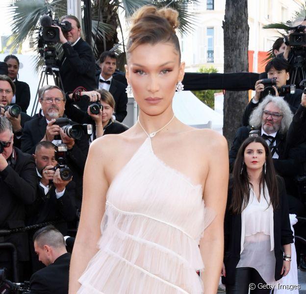 Veja os looks all white das famosas em Cannes