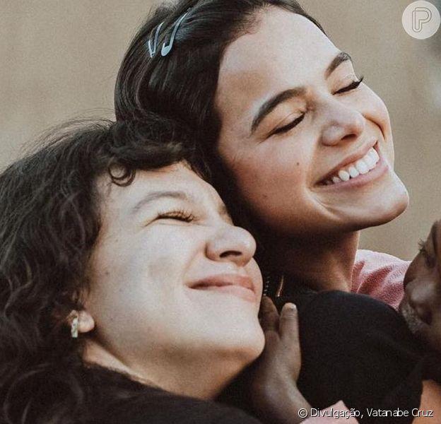 Bruna Marquezine exalta talento da amiga Priscilla Alcantara
