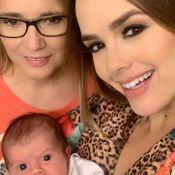 Thaeme baba pela filha, Liz, nos braços da avó: 'Amores da minha vida!'. Vídeo