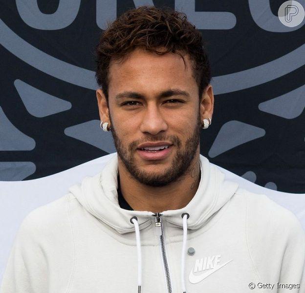 O pai de Neymar Jr. se pronunciou sobre a acusação de estupro contra o jogador nesta segunda-feira, 3 de junho de 2019