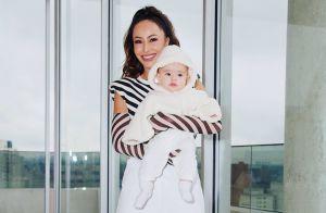 Sabrina Sato combina look fitness com a filha, Zoe: 'Só vai assistir o treino'