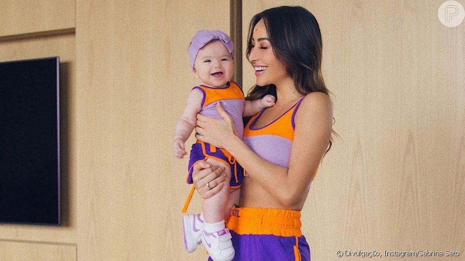 Sabrina Sato combina look fitness com a filha, Zoe, nesta quinta-feira, dia 13 de junho de 2019