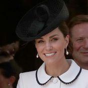 Sapato com transparência e dress coat P&B: o look grifado de Kate Middleton