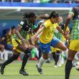 Konya Plummer, da Jamaica, roubou a cena com maria-chiquinha no jogo de sua seleção contra o Brasil