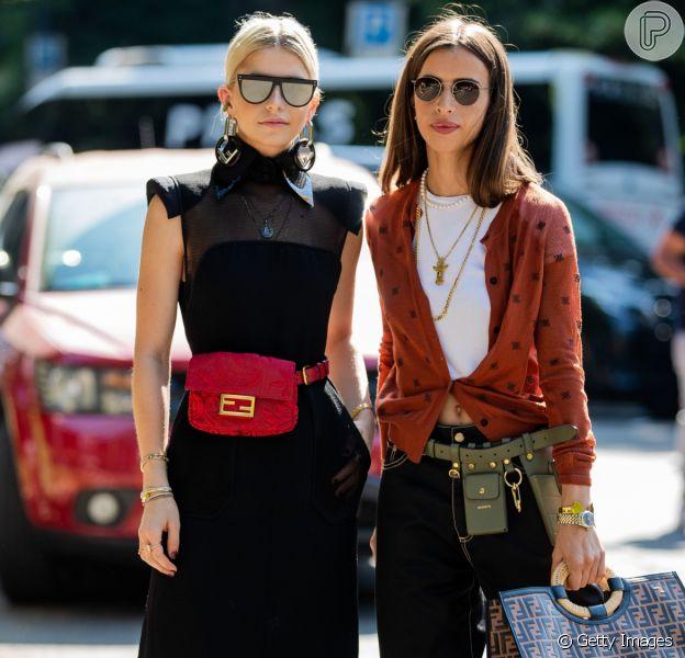 A pochete é um dos maiores hits da moda no momento: fashion e de grife
